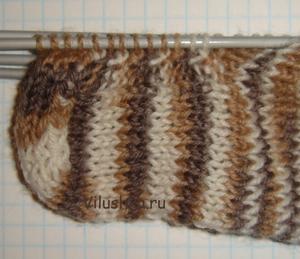Вязание мыска носка.  В процессе вязания носков спицами не...