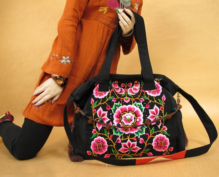 ...или сообщество! http://www.etsy.com/shop/miyabags?page=1. Яркие сумки.