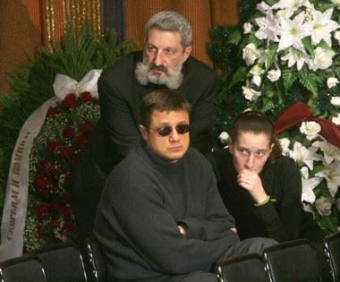 Любовью полищук похороны фильмы дженнифер энистон список