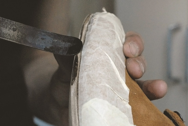 """Обувь своими руками: Как сделать ботинки мечты в домашних условиях - FURFUR - FURFUR - поток """"Стиль"""""""