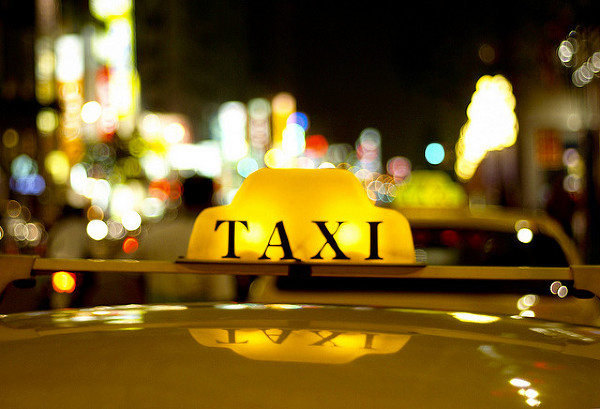 4617818_taxi_b1__ohv2a79 (600x409, 99Kb)