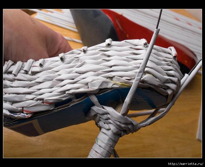 Плетение из газет. ТУФЕЛЬКА на шпильке. Мастер-класс (29) (700x571, 252Kb)