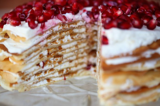 crepe-cake-with-fuilltine-and-lemon-buttercream (558x372, 45Kb)