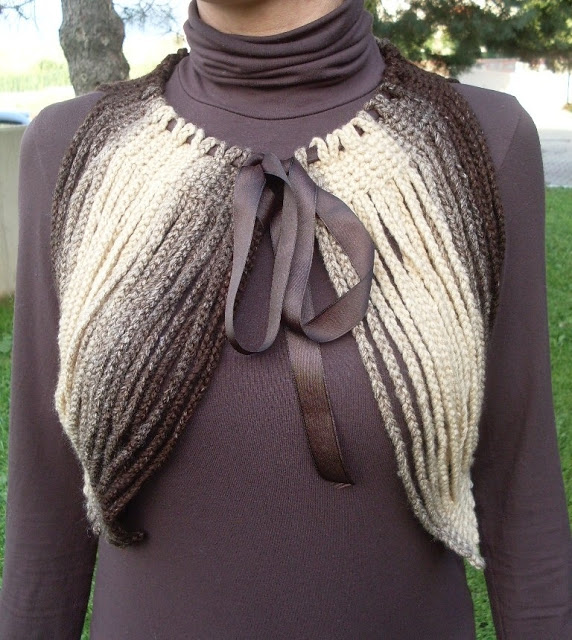 Crocheted Bolero, Shrug; made with chain lengths-I love this! (www.circulo.com.br) (saved as a .docx file on my laptop) -1a (572x640, 119Kb)