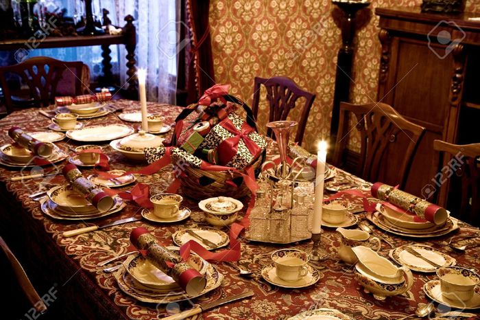 formal-christmas-table-setting-n6qgsjyfm (700x466, 97Kb)