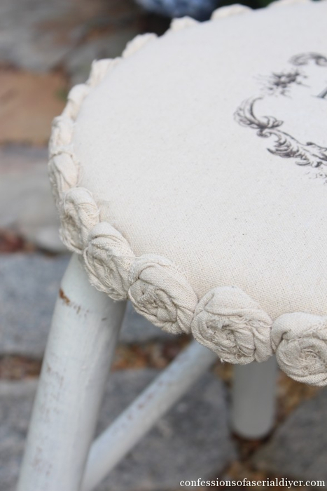 Dropcloth-Rosette-Trimmed-Stool-19 (467x700, 206Kb)