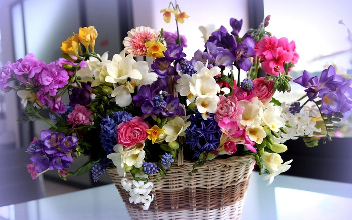 flowers_in_basket_14 (900x637, 354Kb)