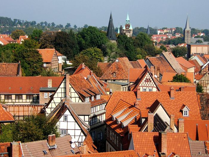 800px-Roofs_of_Quedlinburg_Germany (900x725, 112Kb)