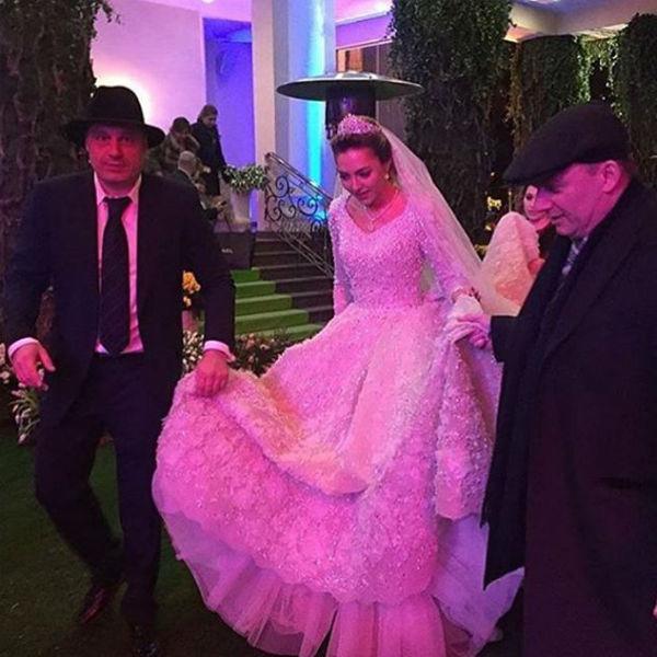 Порно подглядеть на свадьбе