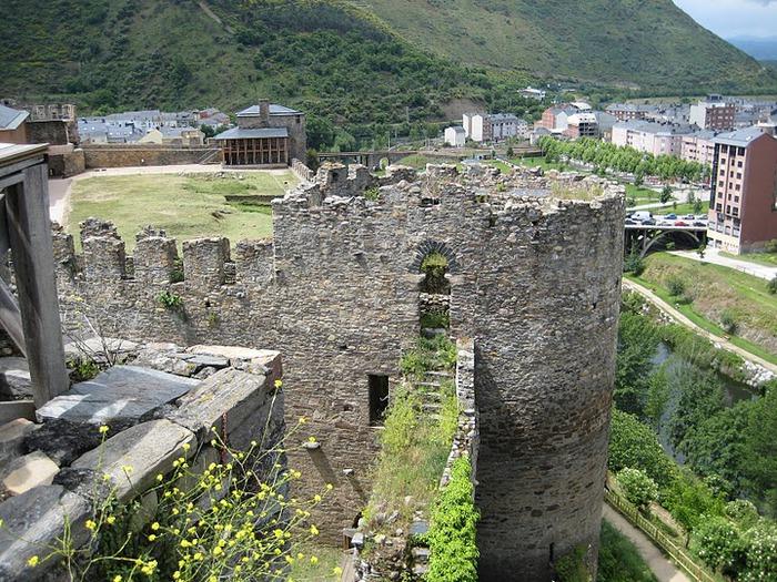 Понферрада (Castillo de Ponferrada) - Замок тамплиеров 87191