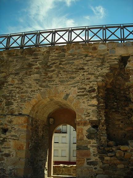 Понферрада (Castillo de Ponferrada) - Замок тамплиеров 98559