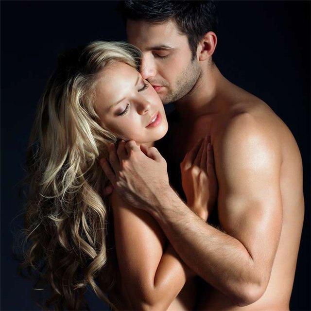 Секс с 1 мужчиной и 2 женщин