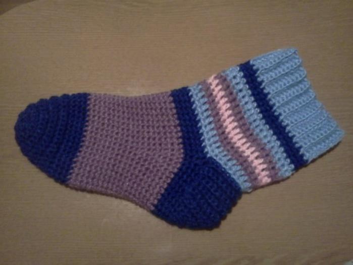 Описание: схемы носки вязаные крючком.