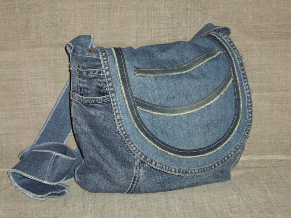 Пошив сумки из старых джинсов.  Сумка пошита из ассорти джинсовых и.