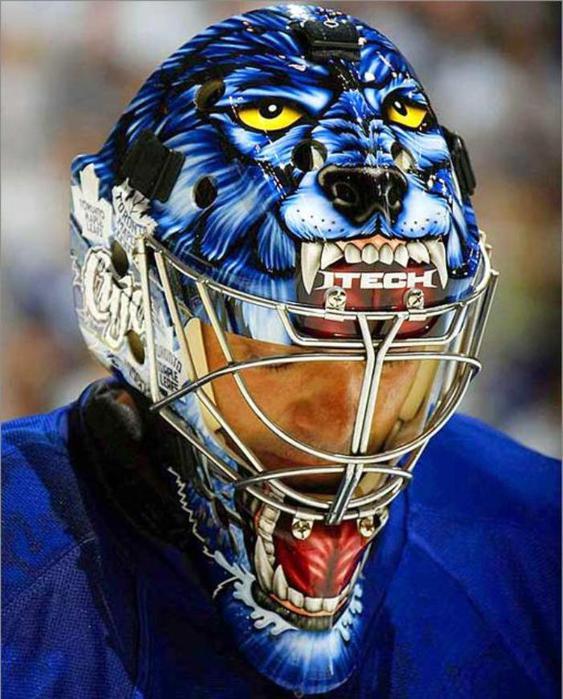 также картинки с хоккейными масками готовы выложить кругленькую