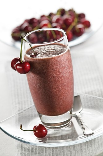 """Фото блюда  """"Вишневый молочный коктейль с какао """" - Ягоды, Напитки, Лето..."""