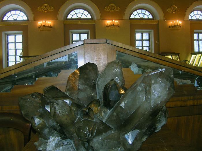 средство просто минералогический музей фото безе одинакового диаметра