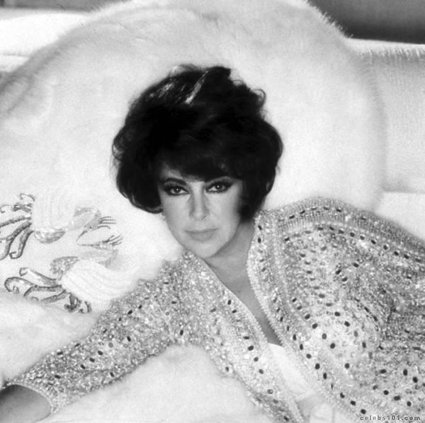elizabeth_taylor_photo_59 (600x598, 50Kb)