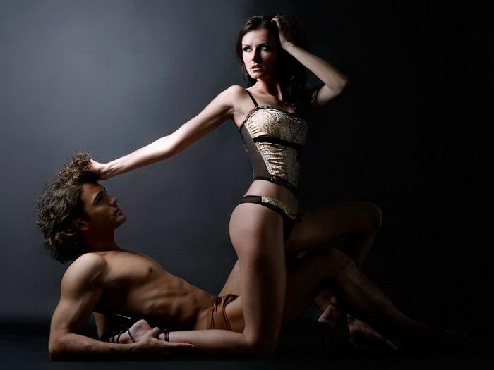 Женское секс доминирование над мальчиком видео