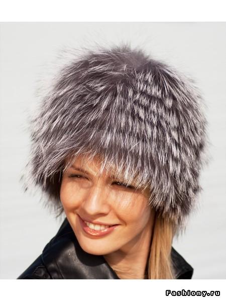 Молодежные шапки меховые женские на вязанной основе из чернобурки.