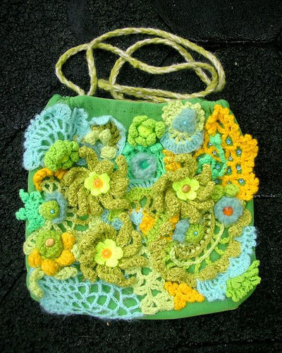 Идеи хенд-мейд: сумки крючком .  Креативная одежда, связанная крючком.