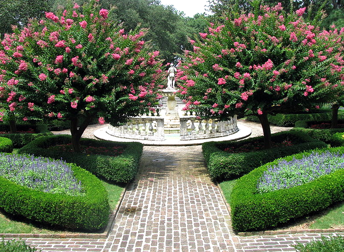 File-Elizabethan Gardens - sunken garden 04.jpg - Wikipedia, the free encyclopedia (700x514, 957Kb)