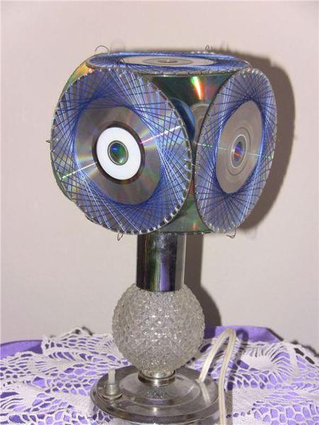 Что вы делаете со старыми CD дисками.  А у нас получилось вот что.