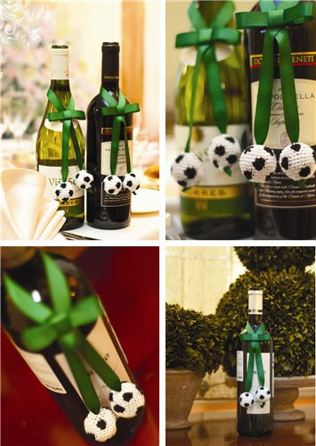 В этой статье: как связать бусины в виде футбольного мяча.