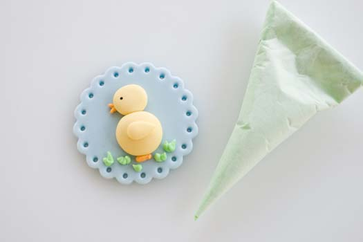 Fondant-cupcake-topper-with-Easter-motif-9 (525x350, 26Kb)