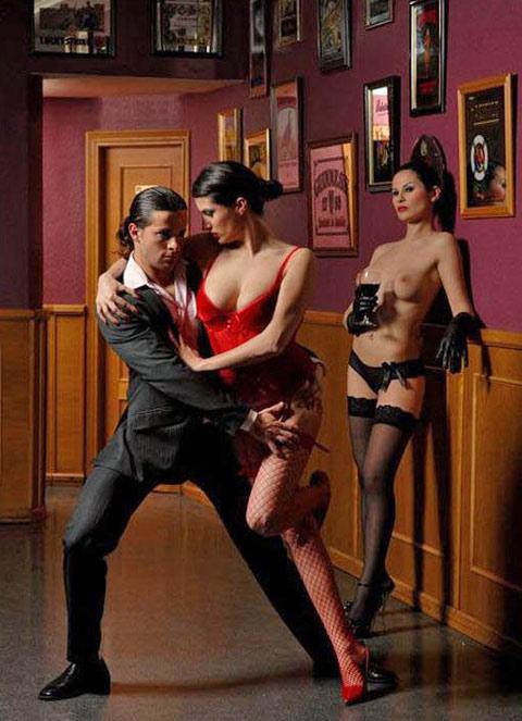 Страстное танго переходящее в секс, высокие блондинки с большой грудью в сексе
