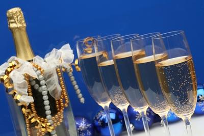 Но просто шампанское это уже как то не интересно.... а вот.