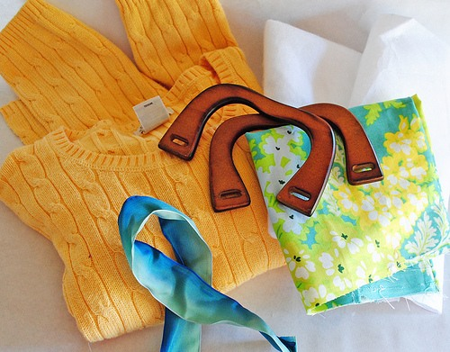 Переделки своими руками: сумка из старого свитера.