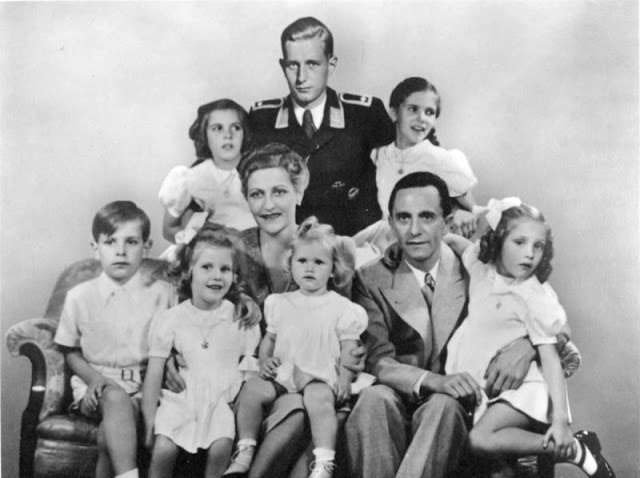 Joesph-magda-Goebbels-with-their-children (640x478, 123Kb)