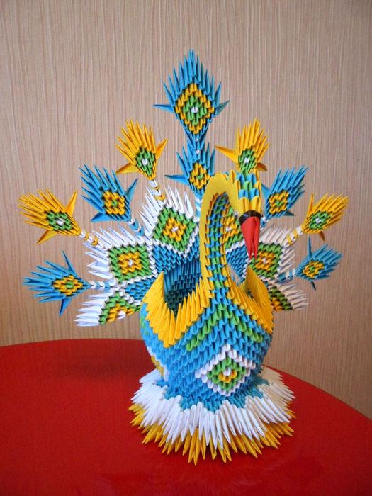 Для этой схемы сборки модульного оригами лебедь вам понадобится около.
