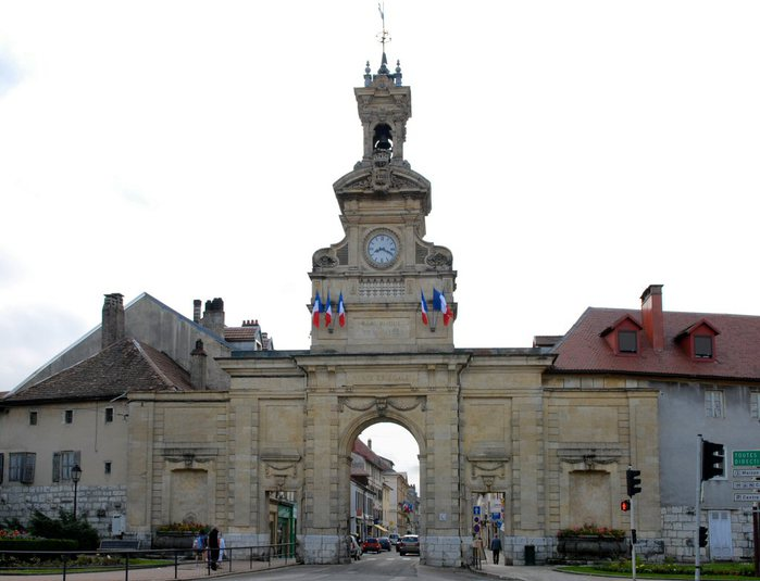 3418201_Pontarlier_the_town_gate_www_pilgrimstorome_org_uk_foto_by_Michael_Krier_BS31_Pontarlier (700x535, 52Kb)