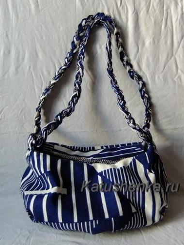 Теперь вы знаете, как самой сшить модную сумку своими руками.