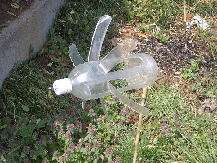 Вертушка из пластиковых бутылок своими руками фото 18