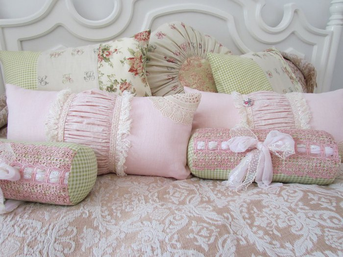 75353246_large_bernas_pillows_002 (700x525, 89Kb)