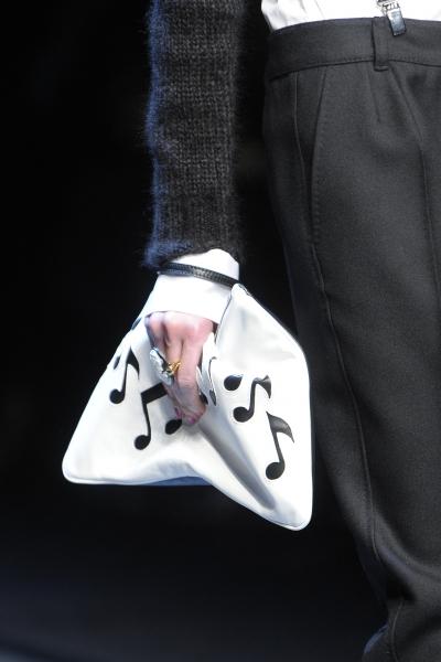 Именно умело подобранная модная сумочка может выразить ваш характер, не...