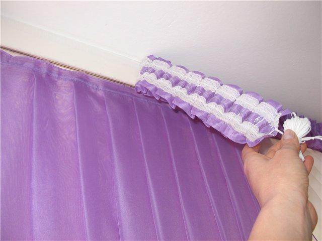 2.Это специальная лента для липучки, лохматая с одной стороны.
