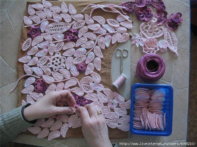 """...Crochet Lace """".  Книга на японском, но если вам все равно интересно."""