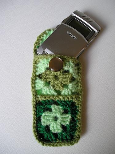 Чехол для мобильного вязанный крючком.