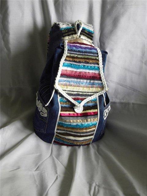 Шьём рюкзак из старых джинсов и кромок ткани.