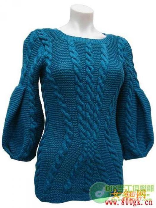 Женское платье-туника фисташкового цвета спицами схема.