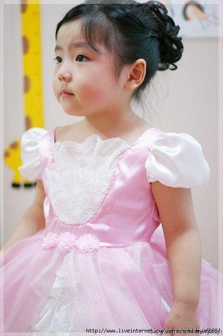 خياطة فستان افراح للاطفال 76665935_2.jpg
