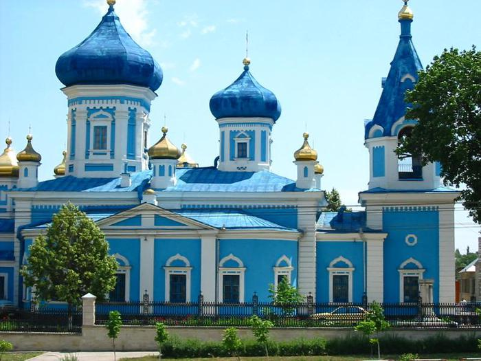 3241851_Moldavian_orthodox_church (700x525, 66Kb)
