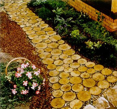 Еще одним традиционным материалом для садовой дорожки является.