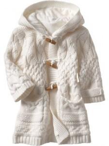 Вязаный свитер для девочки с содержанием махера.  Теплый, стильный.