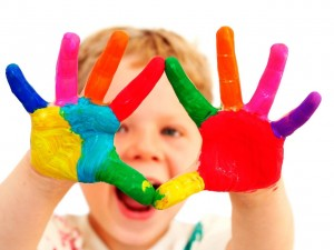 child-hand-painted-1600x1200-wallpaper-4503-300x225 (300x225, 17Kb)