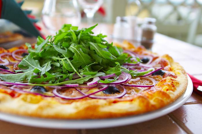 неаполитанские традиции и готовят пиццу точь-в-точь
